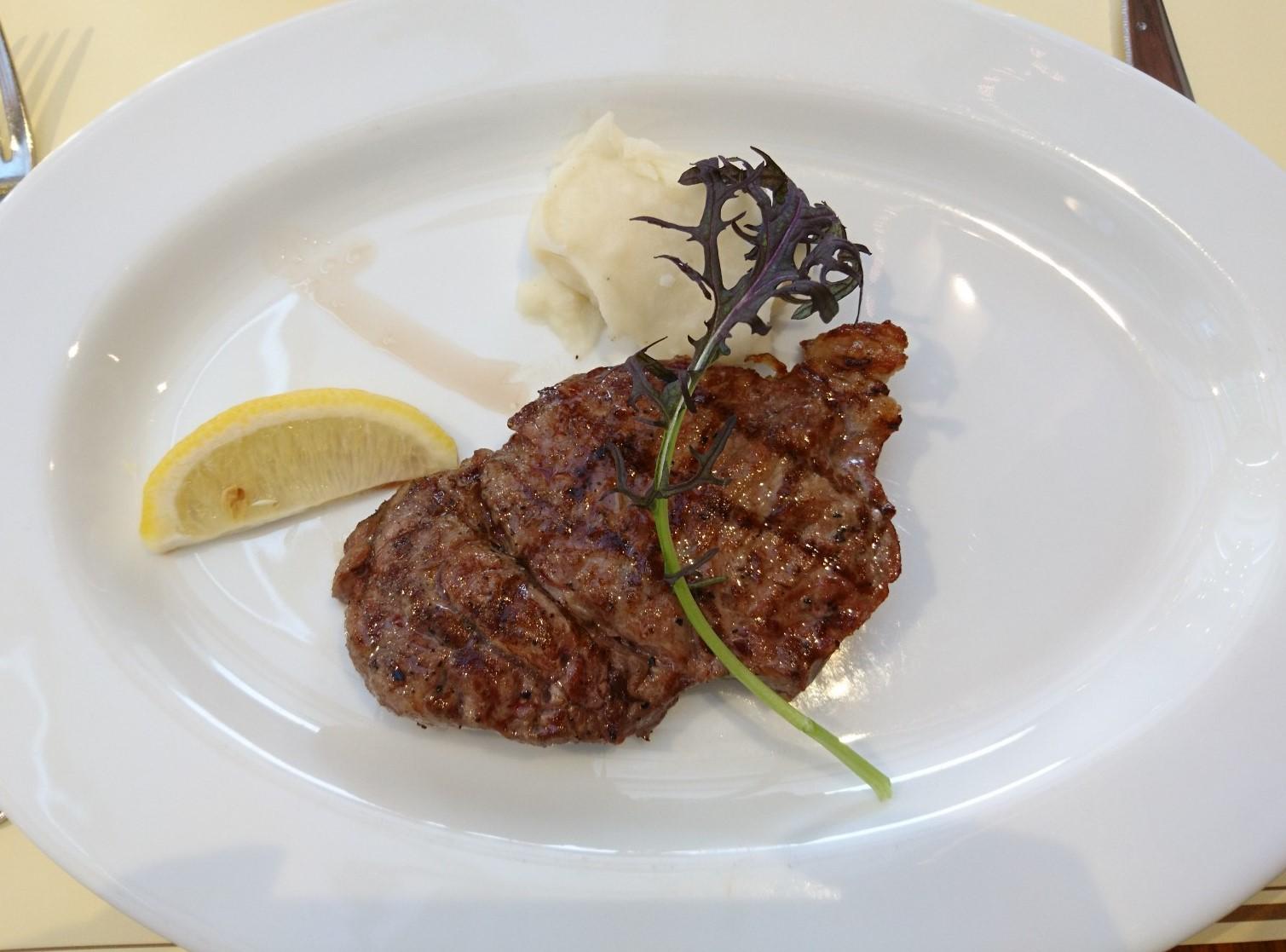 ≪関西・大阪≫USJグルメ!熟成肉ステーキでクリスマスディナーを楽しもう_4