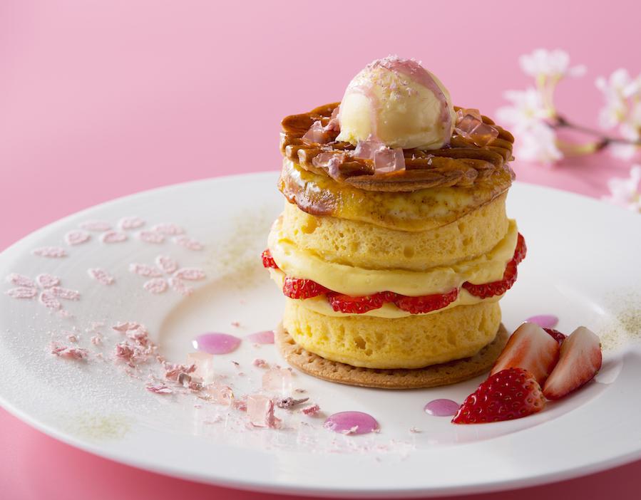 『インターコンチネンタル 東京ベイ』の桜と苺スイーツ♡ パフェにするか、パンケーキにするか、それが問題だ!【4/15(日)まで】_1_2