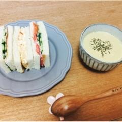 朝ごはん!サンドイッチ(^∇^)ニトリとIKEAのお皿を使いました◎
