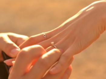 プロポーズ特集 - 場所や指輪はどうする? 感動のサプライズ体験まとめ