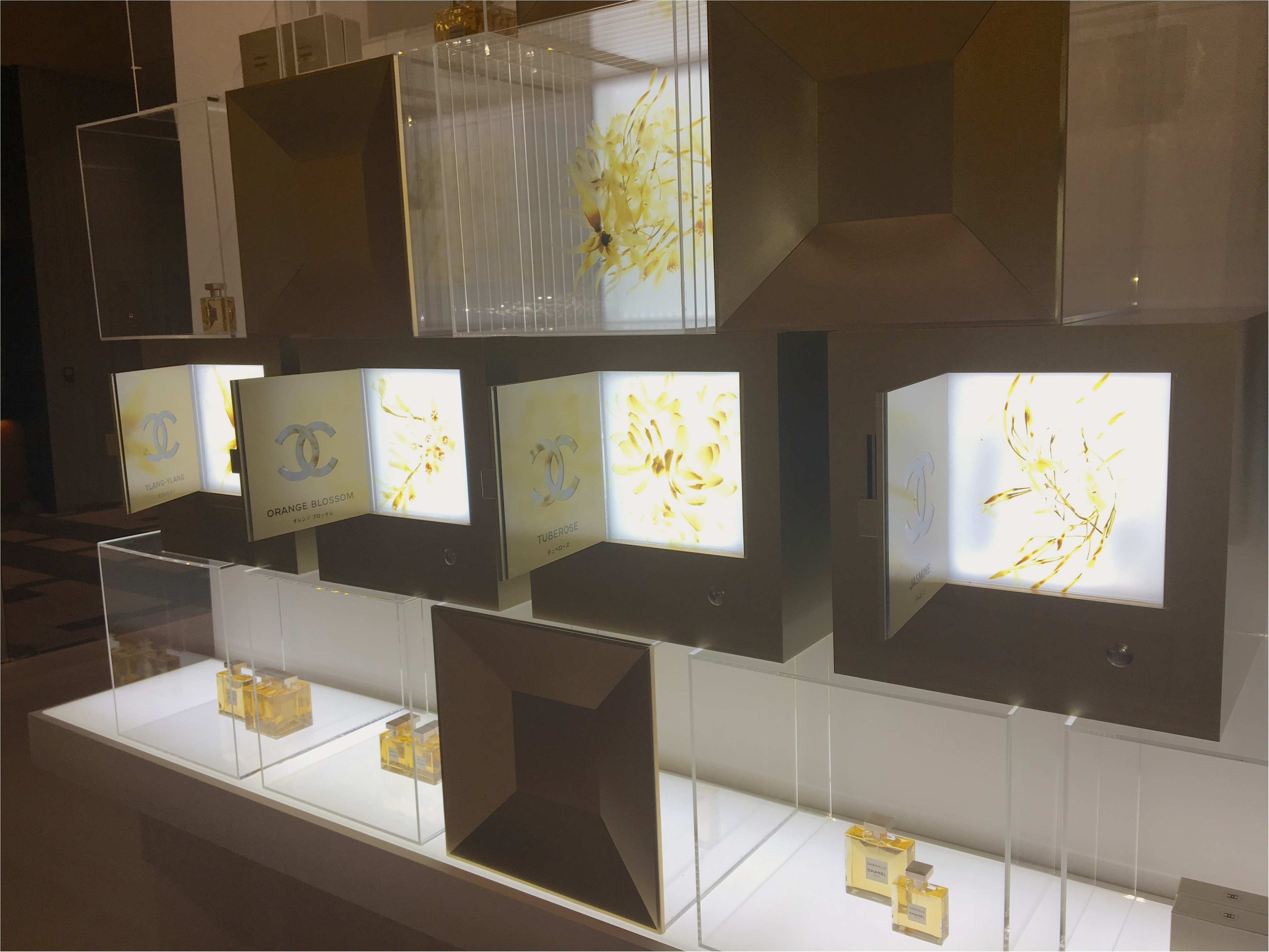 「ガブリエル シャネル」の香りを体感できるイベントスペースが、東京ミッドタウンに登場! SNS映え間違いなしの、美しすぎる空間をご覧あれ♡_1_3