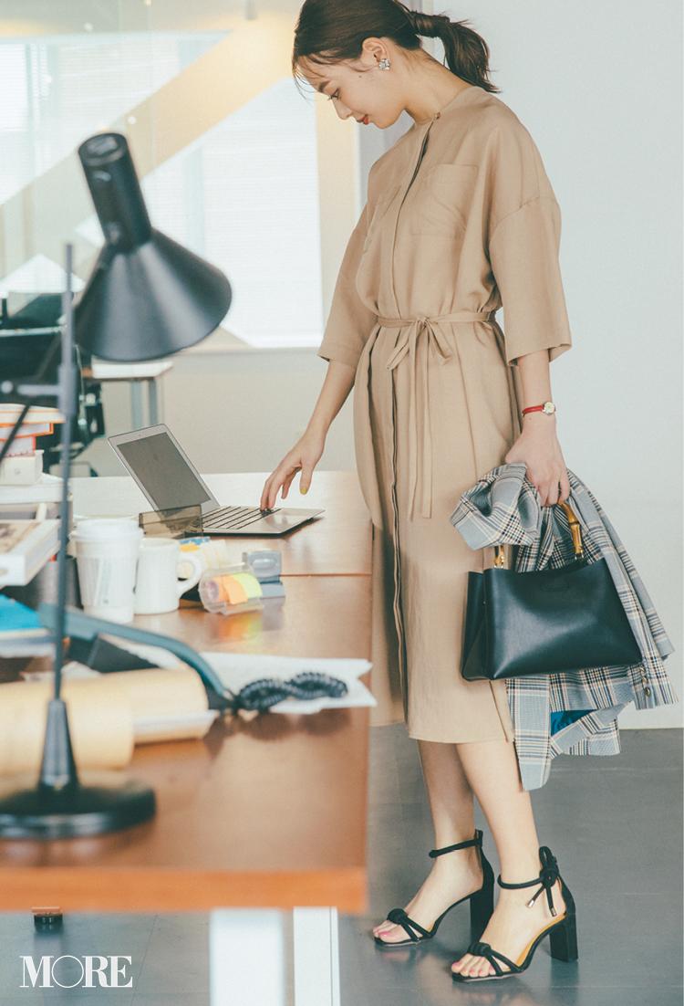 ベージュコーデ特集(20代後半女子向け)- 春におすすめのワンピースやスカート、靴などのコーディネートまとめ_6