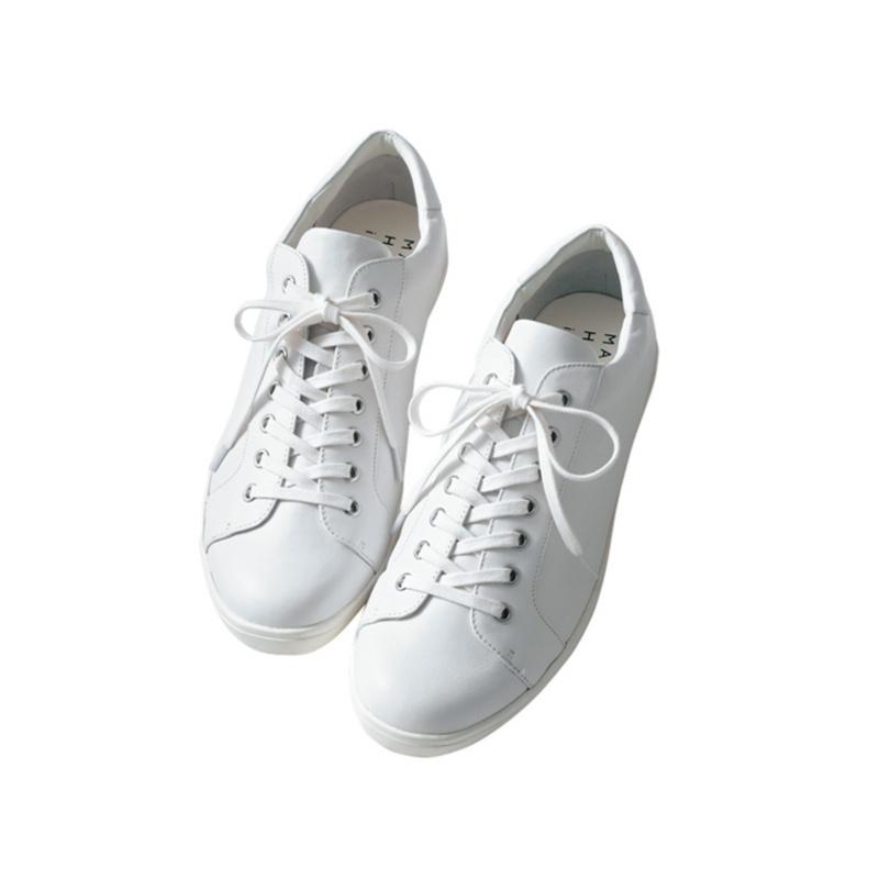 スニーカーの合わせ方。スカートには?パンツには? 迷ったら靴のボリューム感に注目!_2