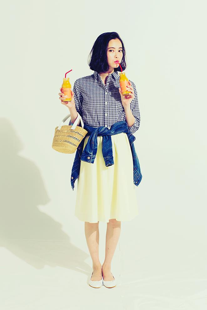 大人っぽさも爽やかさも「スカートにはシャツ」がいい!(1・きれい色フレア×ギンガムシャツ)_1