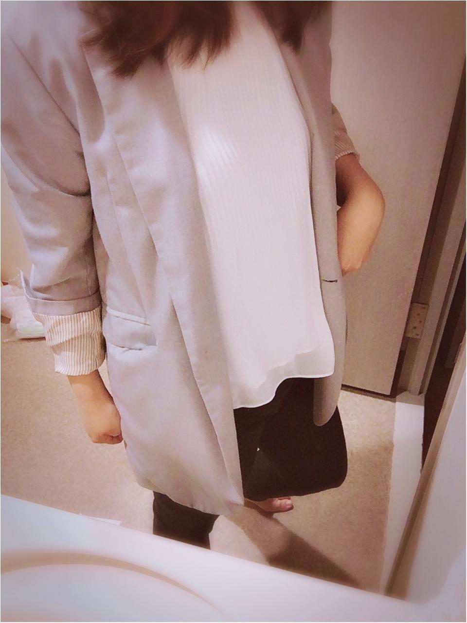 黒✖白✖グレーのバランスコーデで痩せ見え_5