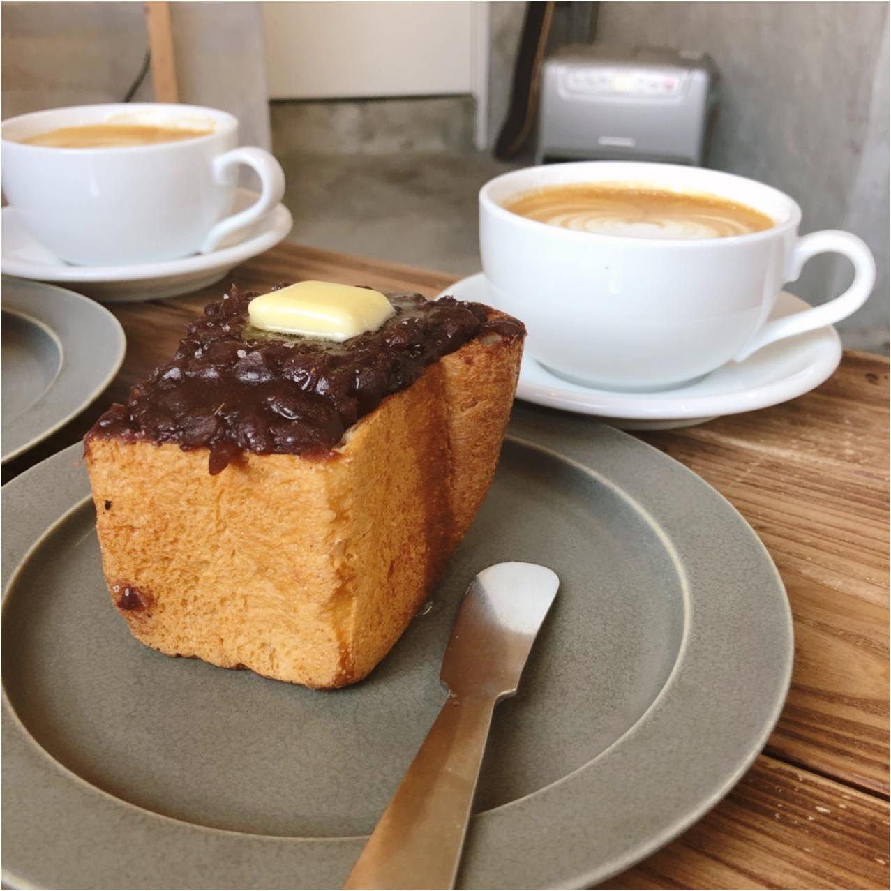 福岡で見つけたおしゃれカフェ♡  たっぷりのあんバタートーストとコーヒーが絶品なんです♡_5