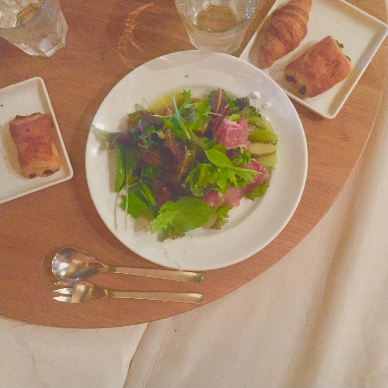 【まったりくつろげるcafe♡】ベットの上で食事??★焼きたてのパンも食べ放題♡♡癒される空間カフェへ行ってきました!!_5