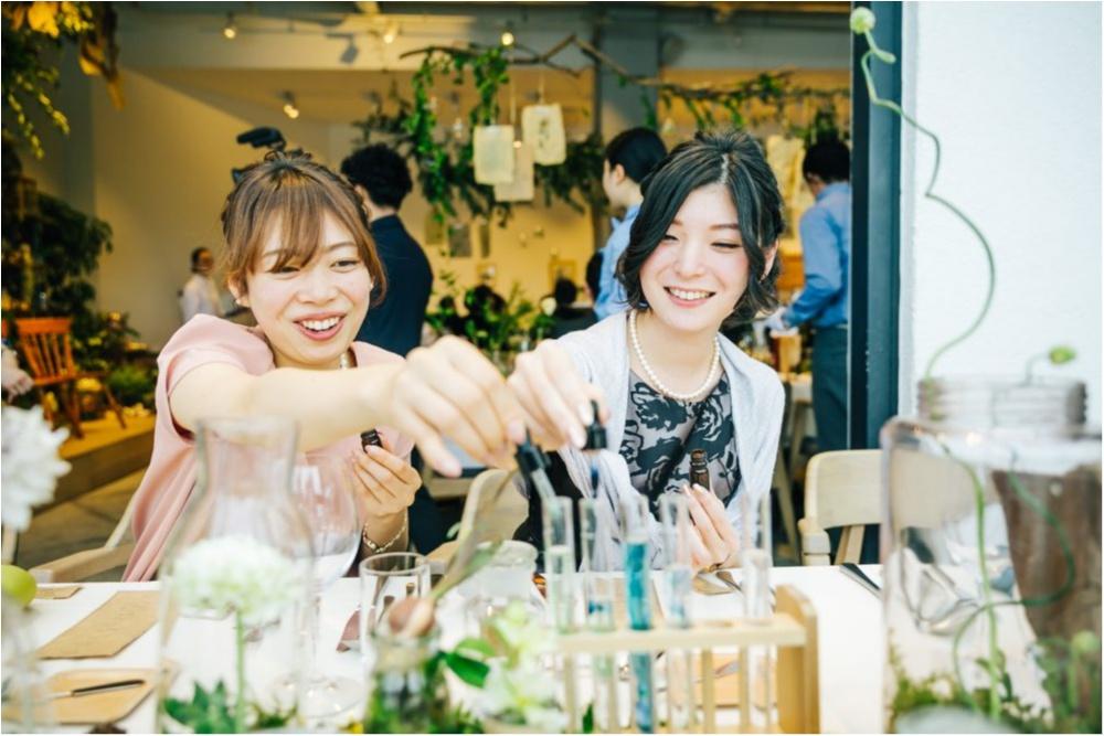研究室にサッカー場!? 「世界にひとつだけ♡」のオリジナル結婚式が素敵すぎ!_13