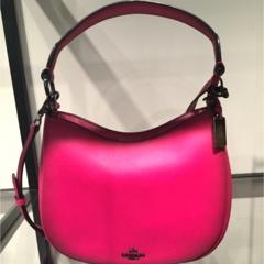 COACH(コーチ)の新作バッグ、ピンクが可愛い!
