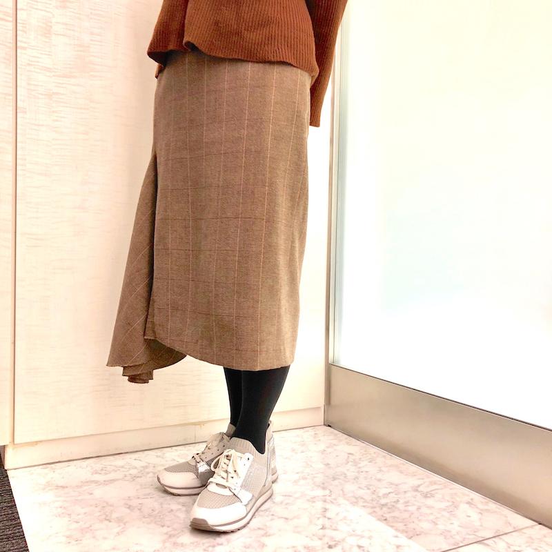 突撃SNAP☆ MORE2月号付録【『17℃ by ブロンドール』きれい見え ダークグレイタイツ】をスタッフがはいてみた!_6