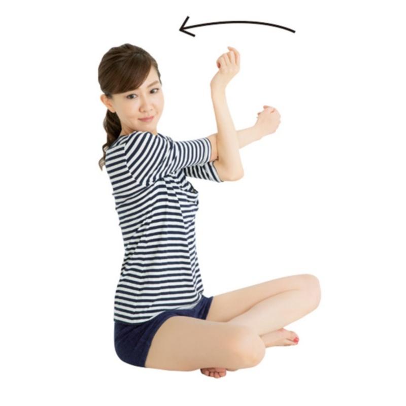 貴子先生が教える「25歳からの小顔貯金」エクササイズ5