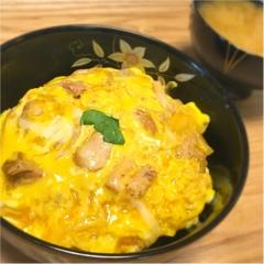 東京のブランド鶏を使った親子丼