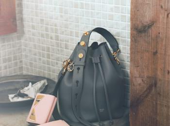『フェンディ』の人気バッグ「モン トレゾール」最新色に、宝物を詰め込んで♡