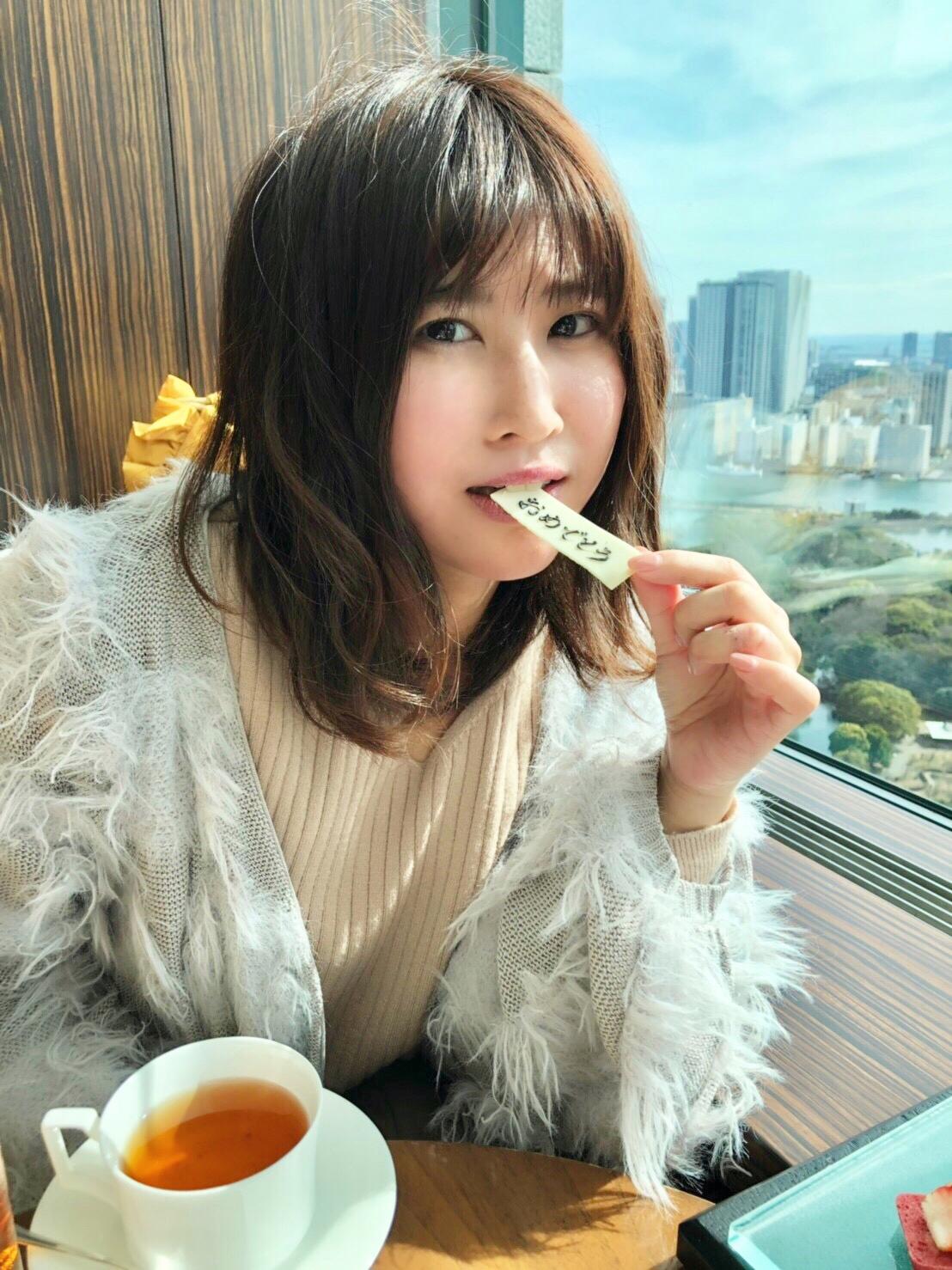 1000記事更新達成!コンラッド東京のいちごアフタヌーンティーでお祝い♡_3