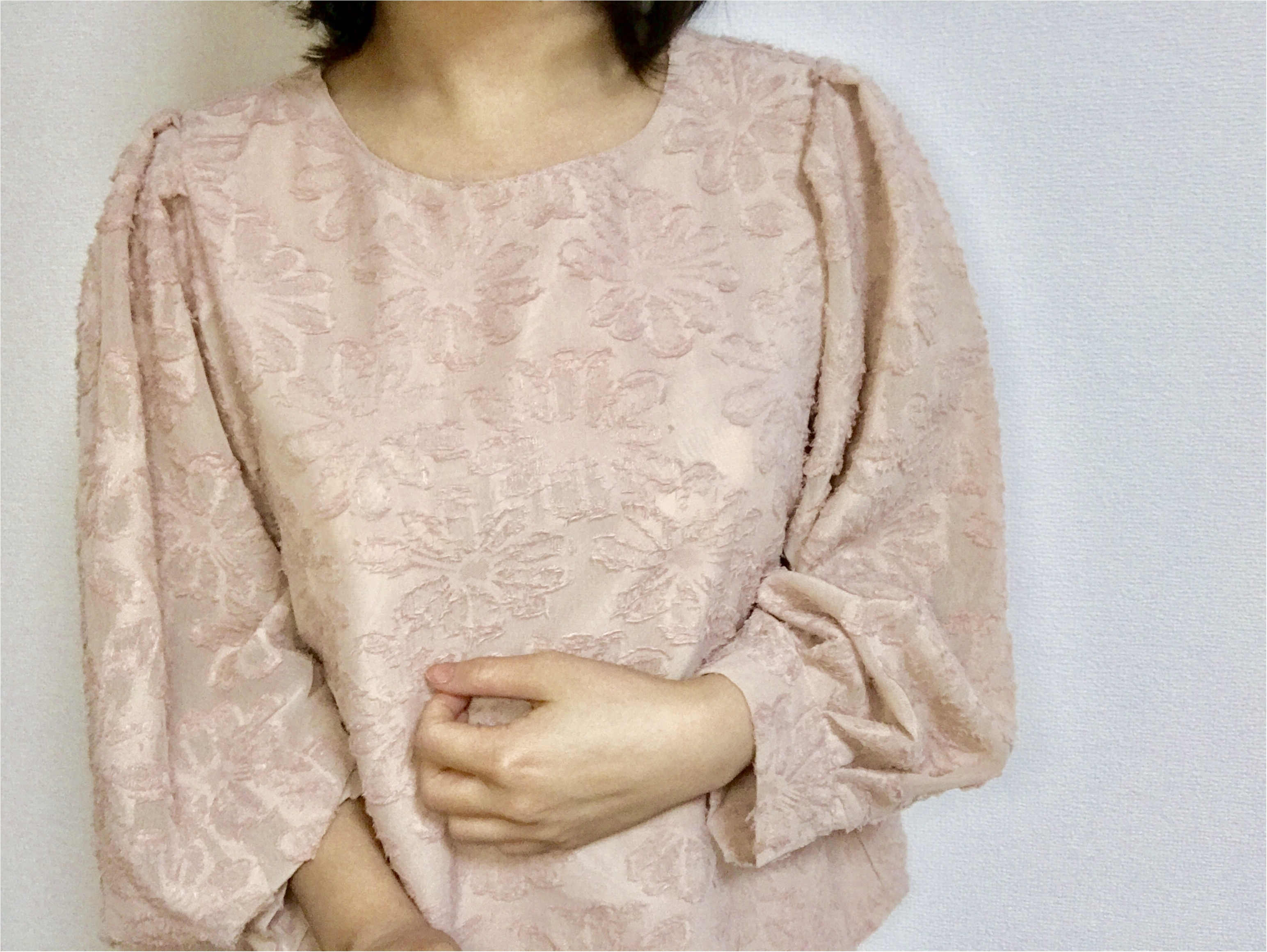 "【GU】春の新作ブラウス❤︎春ファッションに""ジャカードブラウス""は欠かせない!「花柄+シースルー」の《神ブラウス》がほんとに神だった。_4"