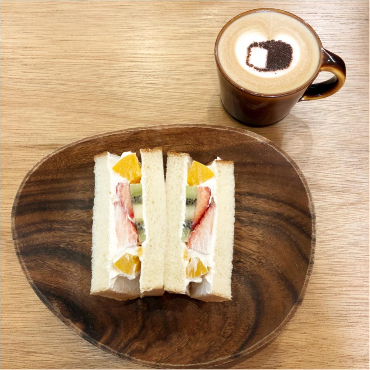 博多の食パン専門店『 むつか堂カフェ  』のフルーツミックスサンドがふわふわ甘くて美味しい♡♡_5