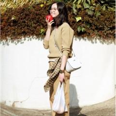 【今日のコーデ/比留川游】女子トモで集まる日曜日はベージュコーデでおしゃれ自慢♡