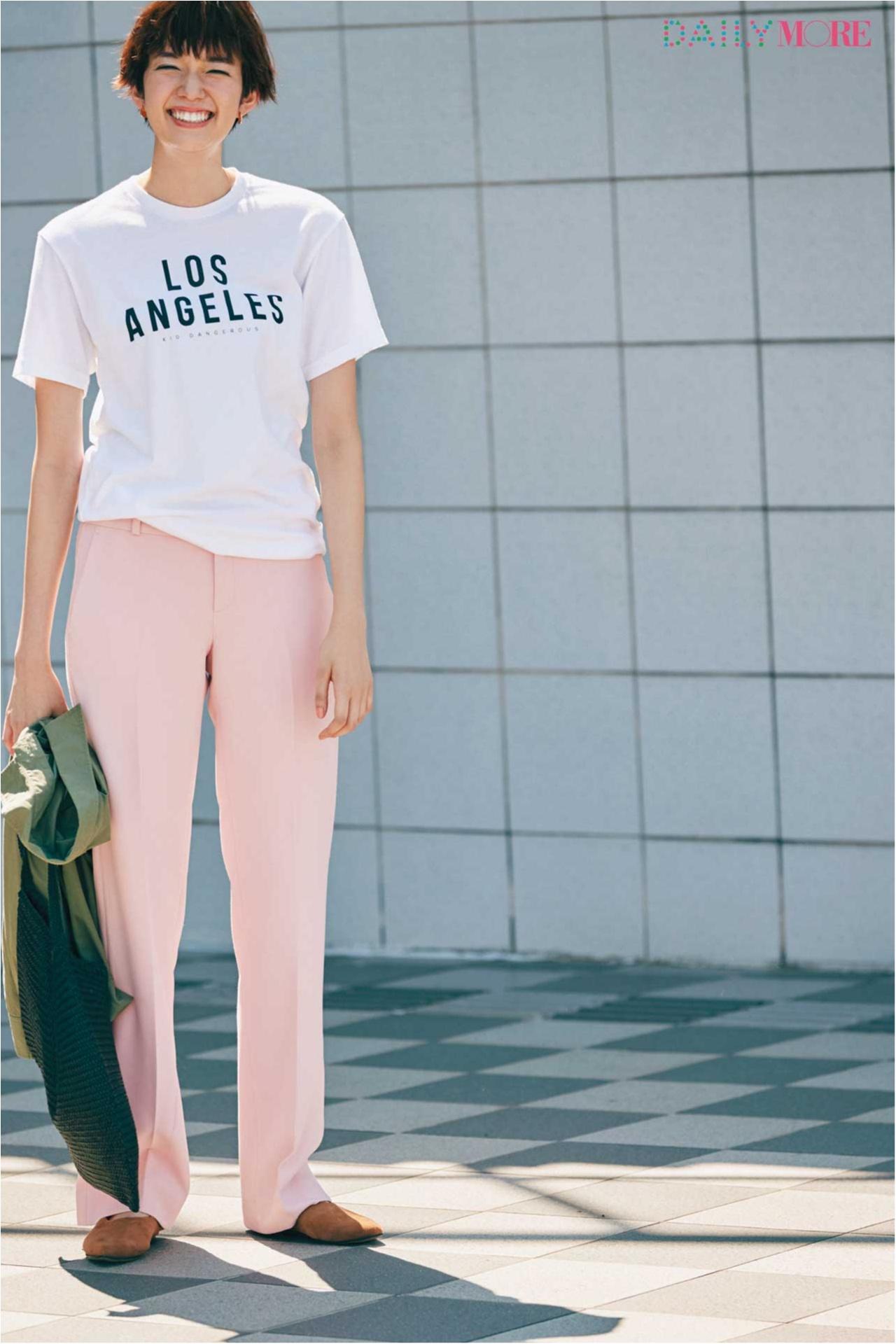 【今日のコーデ/佐藤栞里】ピンクのパンツで休日のTシャツカジュアルをブラッシュアップ!_1