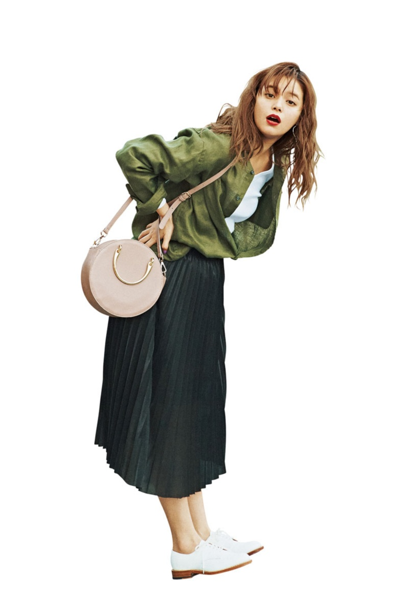 【今日のコーデ】楽チンなのにきれいが狙えるプリーツスカート×おじ靴。コーデに迷った日はこれに限るっ♪_1