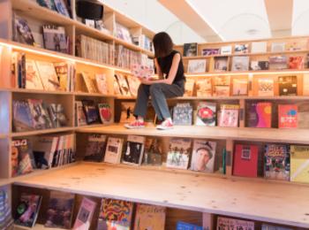 """新宿で最高の【非日常旅】ができる! """"泊まれる本屋""""『BOOK AND BED TOKYO』が最高だった♡"""