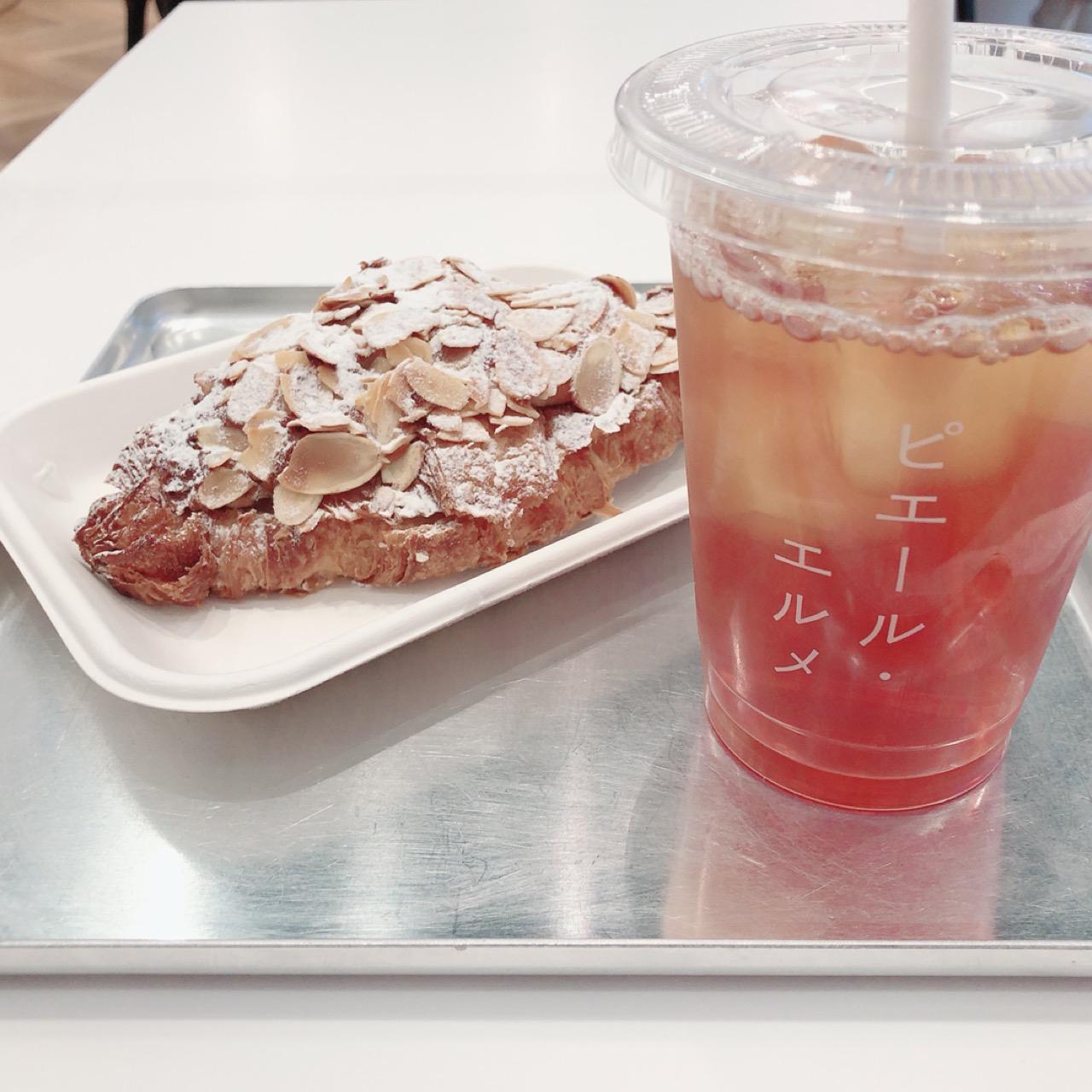 """<東京・丸の内>カタカナの""""ピエール・エルメ""""ロゴがフォトジェニックなカフェに行ってきました!♡_2"""