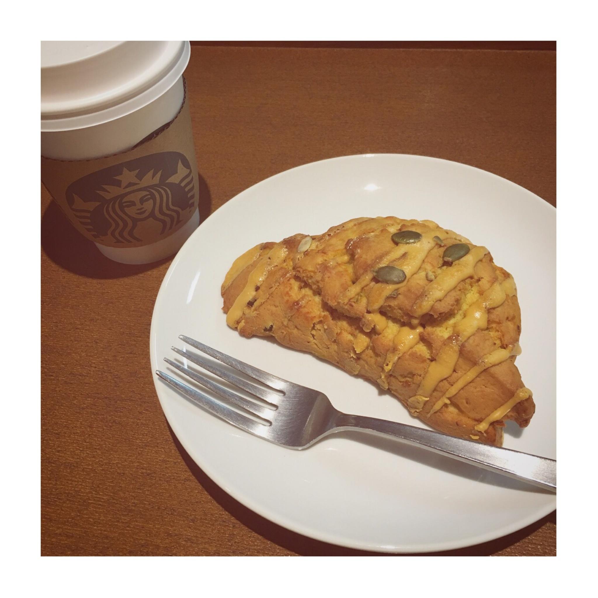 《ほくほくの秋らしいおいしさ❤️》【スタバ】アメリカンスコーン パンプキンが美味☻_1