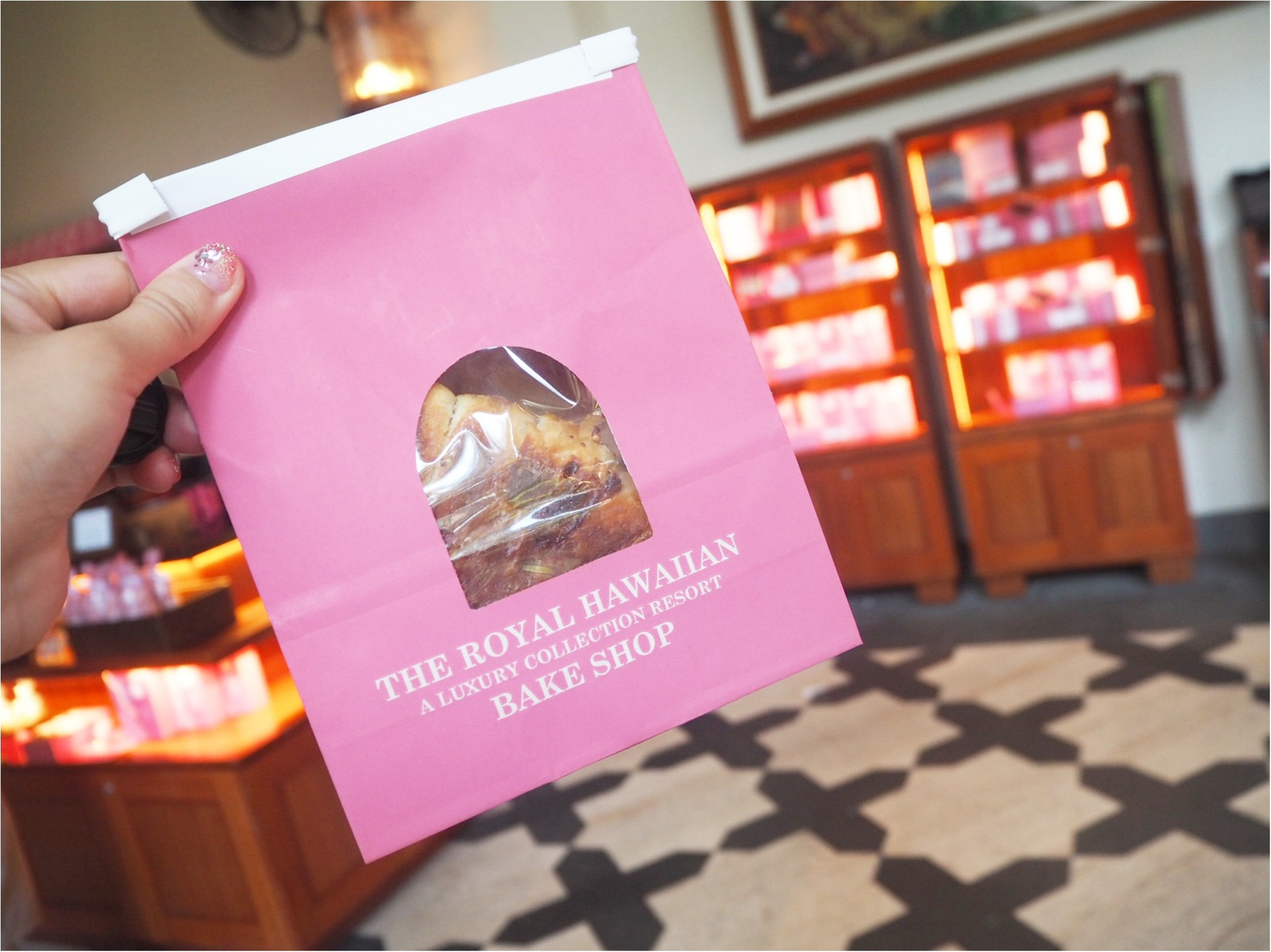 《憧れホテル!》ピンクパレスことロイヤルハワイアンのベーカリーでテイクアウト♡テラスで朝食を*°_5