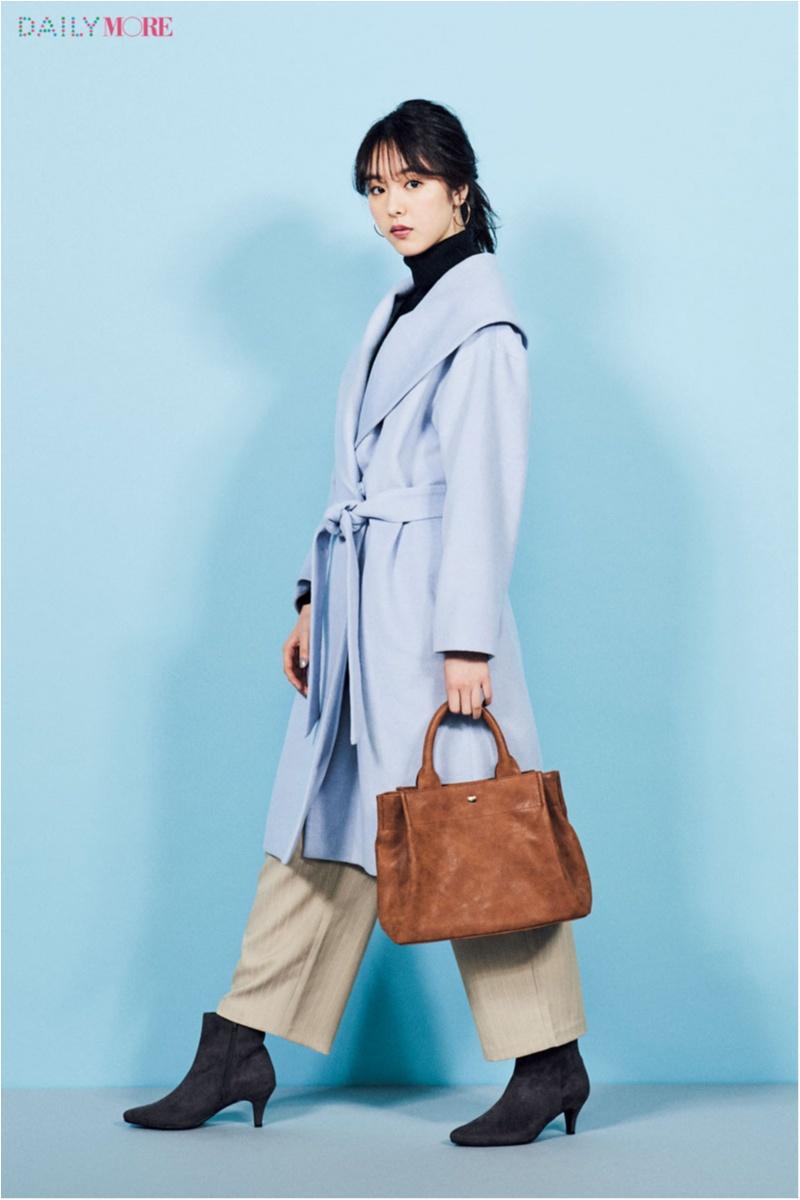 【今日のコーデ/唐田えりか】冬空に映えるブルーのガウンコートで、外勤デーも晴れやかな気分に♪_1
