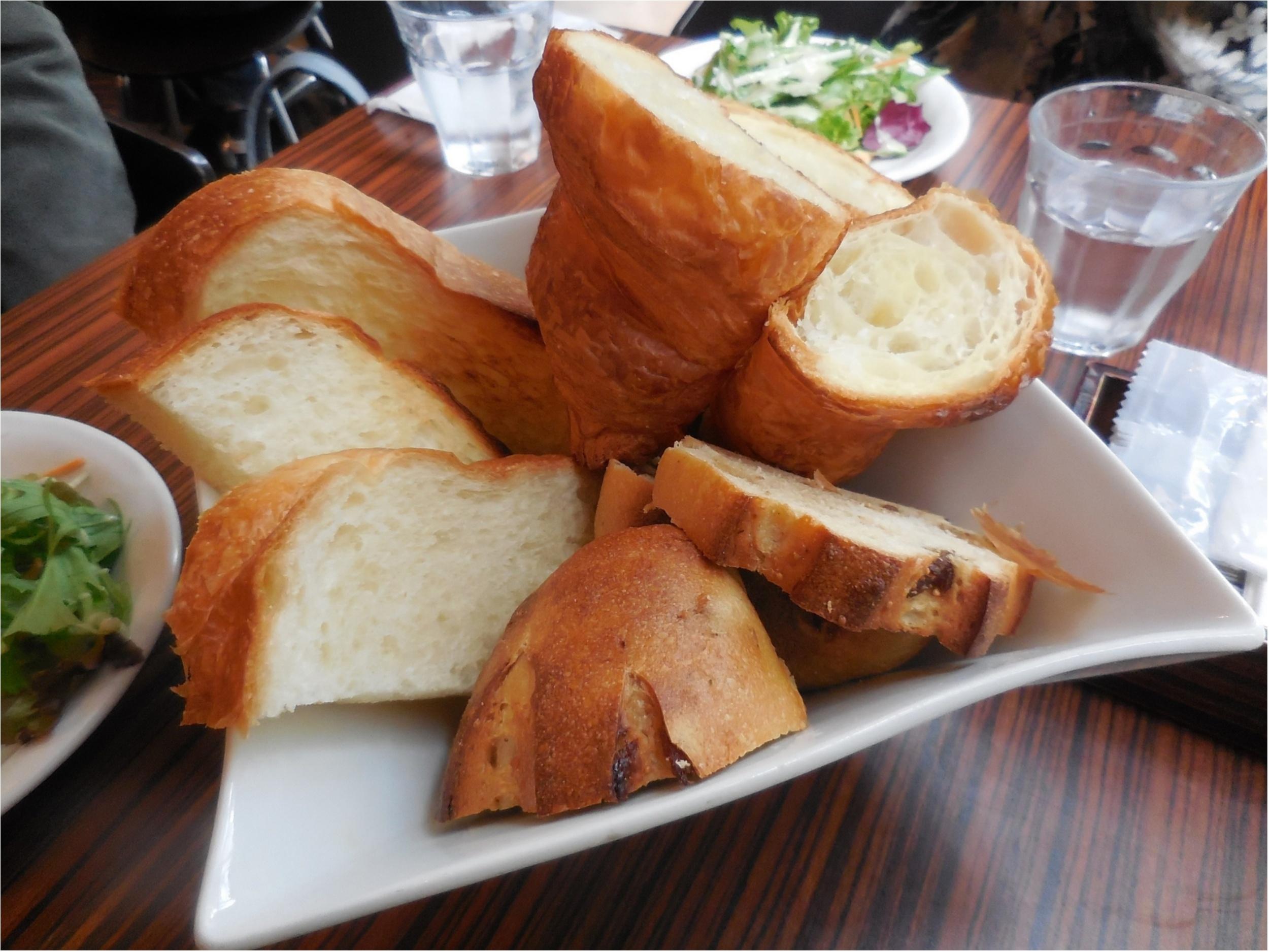 メゾンカイザー カフェ 食べ放題 ランチ パン
