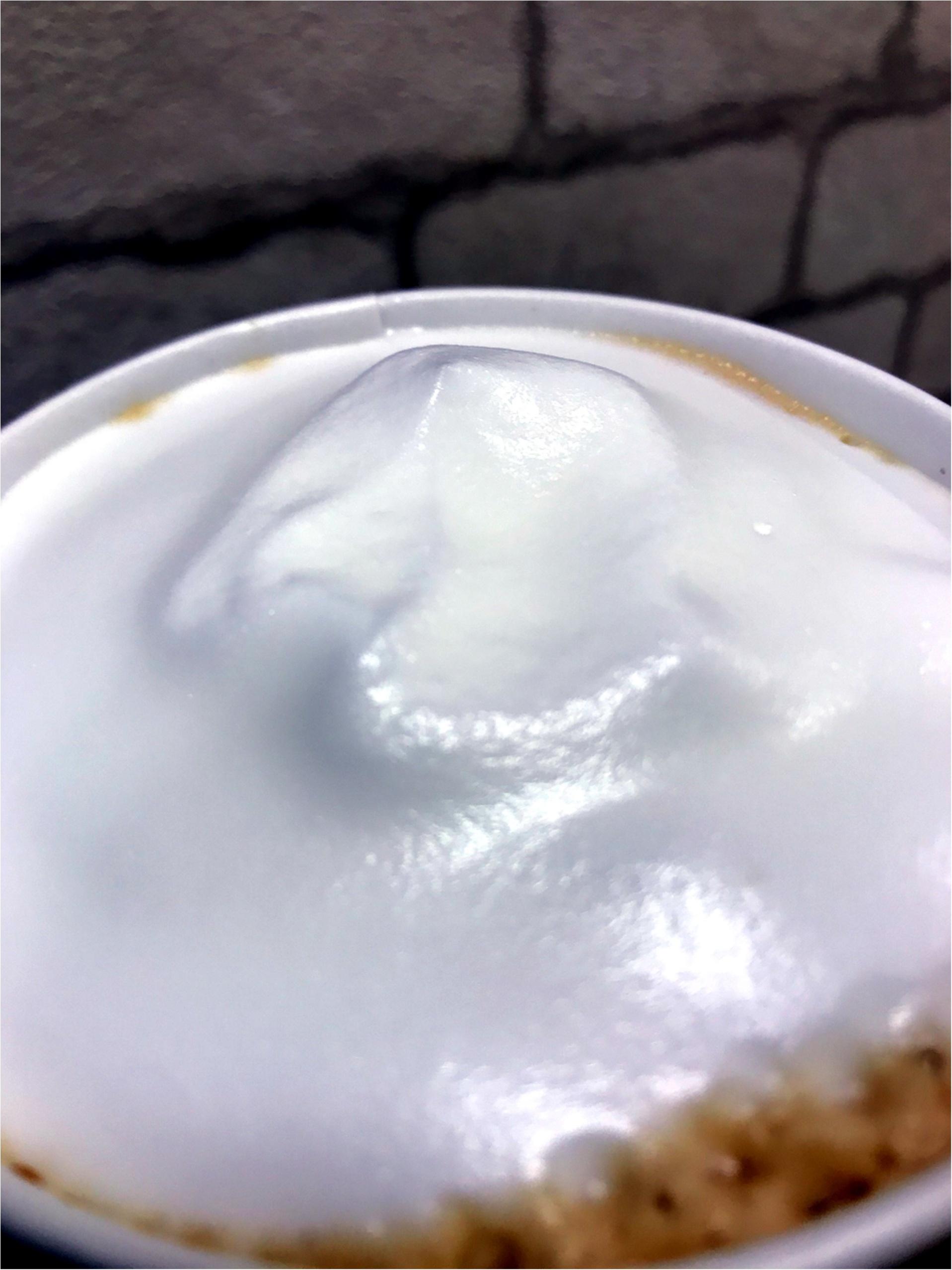 【超先行!】コーヒーなのに白?!3/15〜Starbucks新作✩ムースフォームラテ✩を一足先に味わってきました!!白い泡の正体は◯◯◯だった!_3