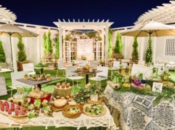 結婚式場が期間限定でビアガーデンに! クラシカルな洋館のルーフトップで、ヘルシーフードを満喫♡【#ビアガーデン 2019 東京】