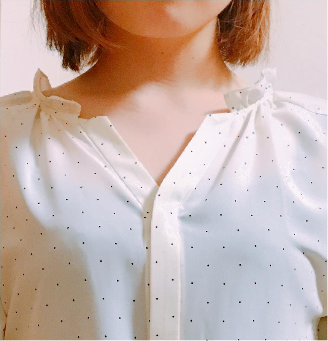 甘過ぎなくて大人かわいい!【きみ棲み】吉岡里帆さん着用のドットギャザーブラウス♡_2