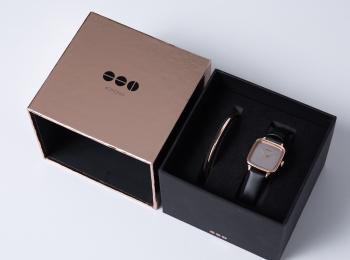 クールな彼に、彼女に、『KOMONO』の腕時計を。クリスマス限定ボックス販売中☆