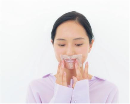 「毎日のシートマスクは欠かしません!」 山賀琴子さんの、やわ肌テクを教えちゃう♡ _4