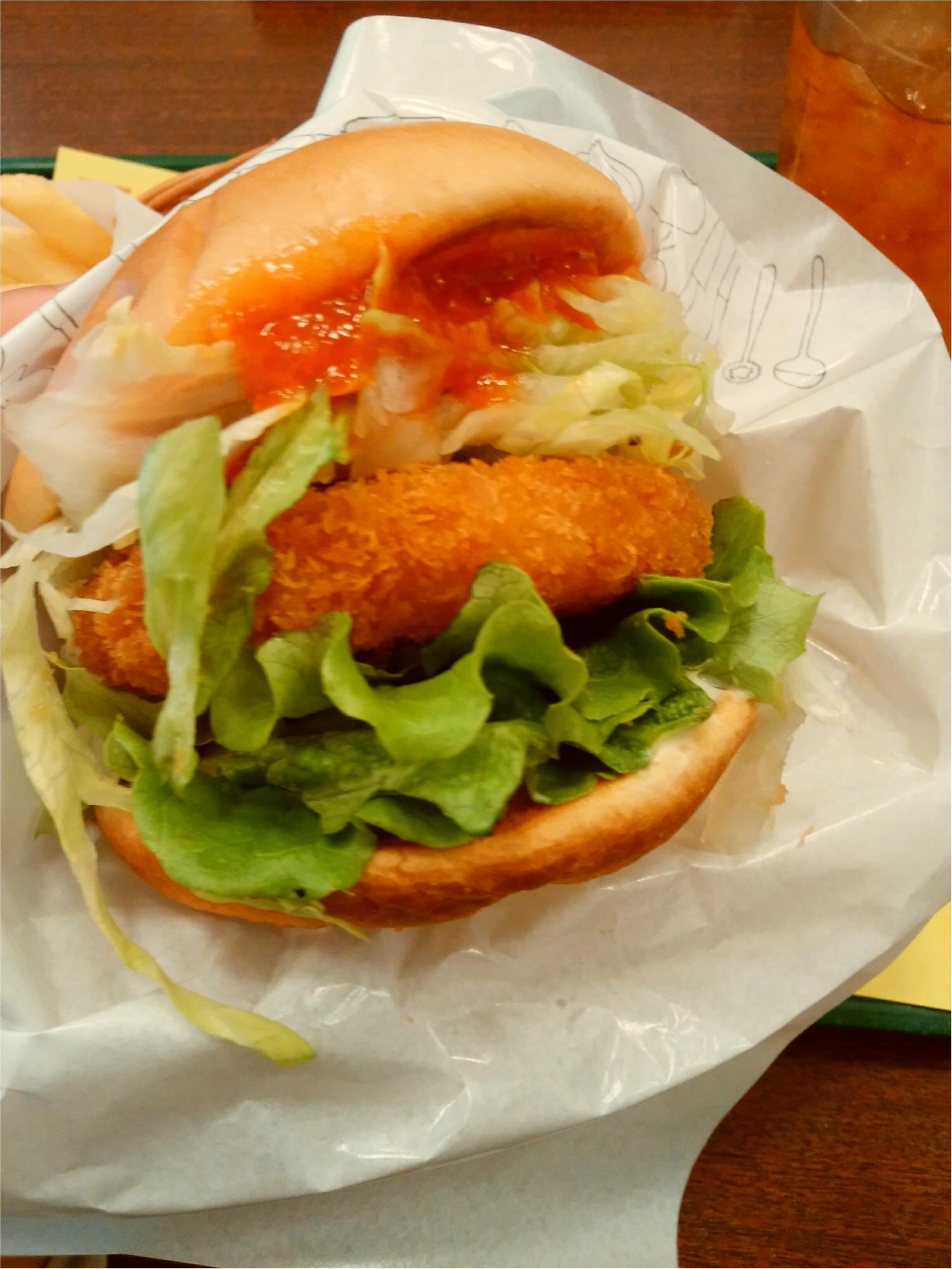 お得情報も有【モスの新商品】美味しいに決まってる♡リッチ海老カツバーガー 蟹チリソース_1