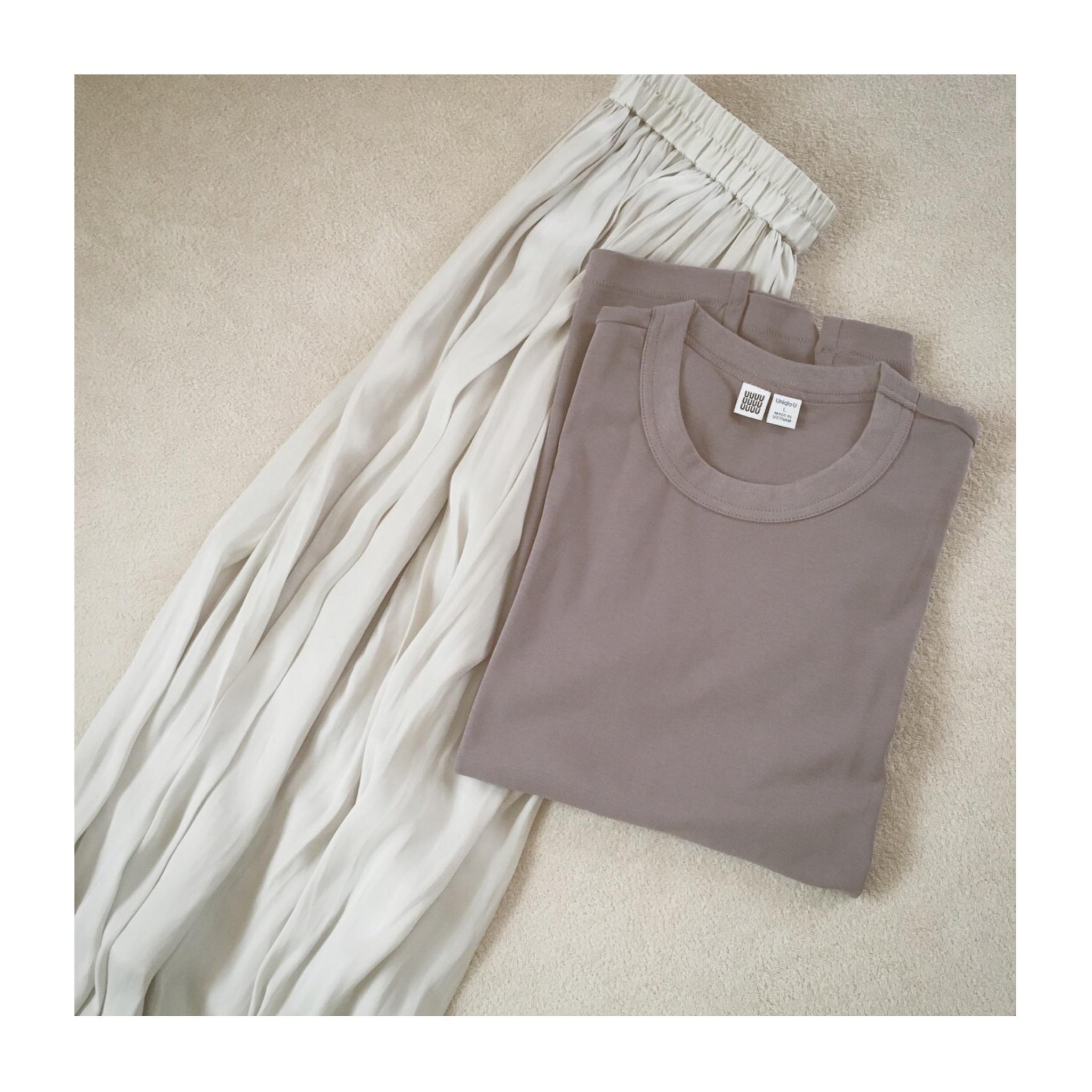 《まだまだ使える!》【Uniqlo U】の大人気¥1,000Tシャツ、いま買い足すなら秋カラーがおすすめ❤️_3