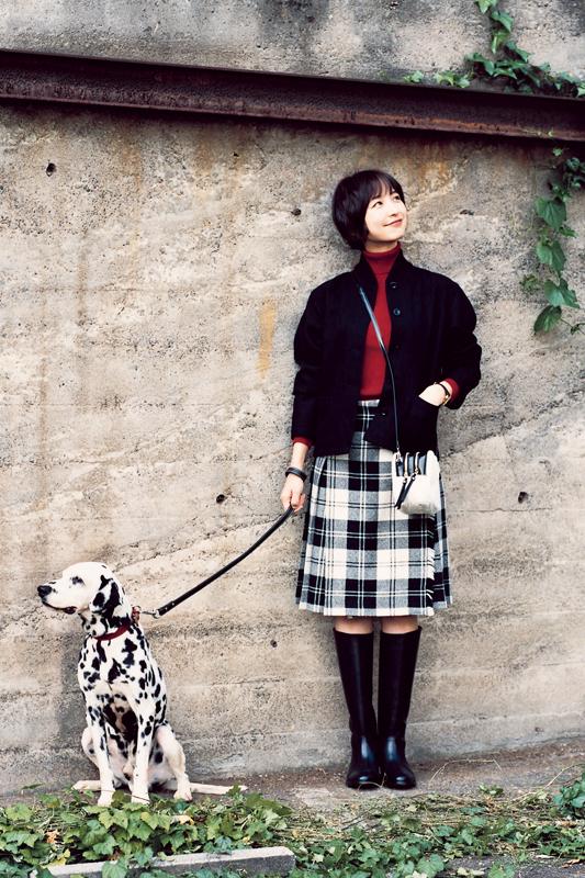 【今日のコーデ/篠田麻里子】イベント目前の祝日は正統派トラッドで街歩き♪_1
