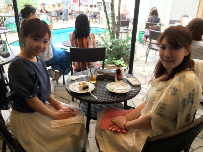 女子会のテッパン♡プールサイドのテラス席でオシャレモアハピ会♡♡_1