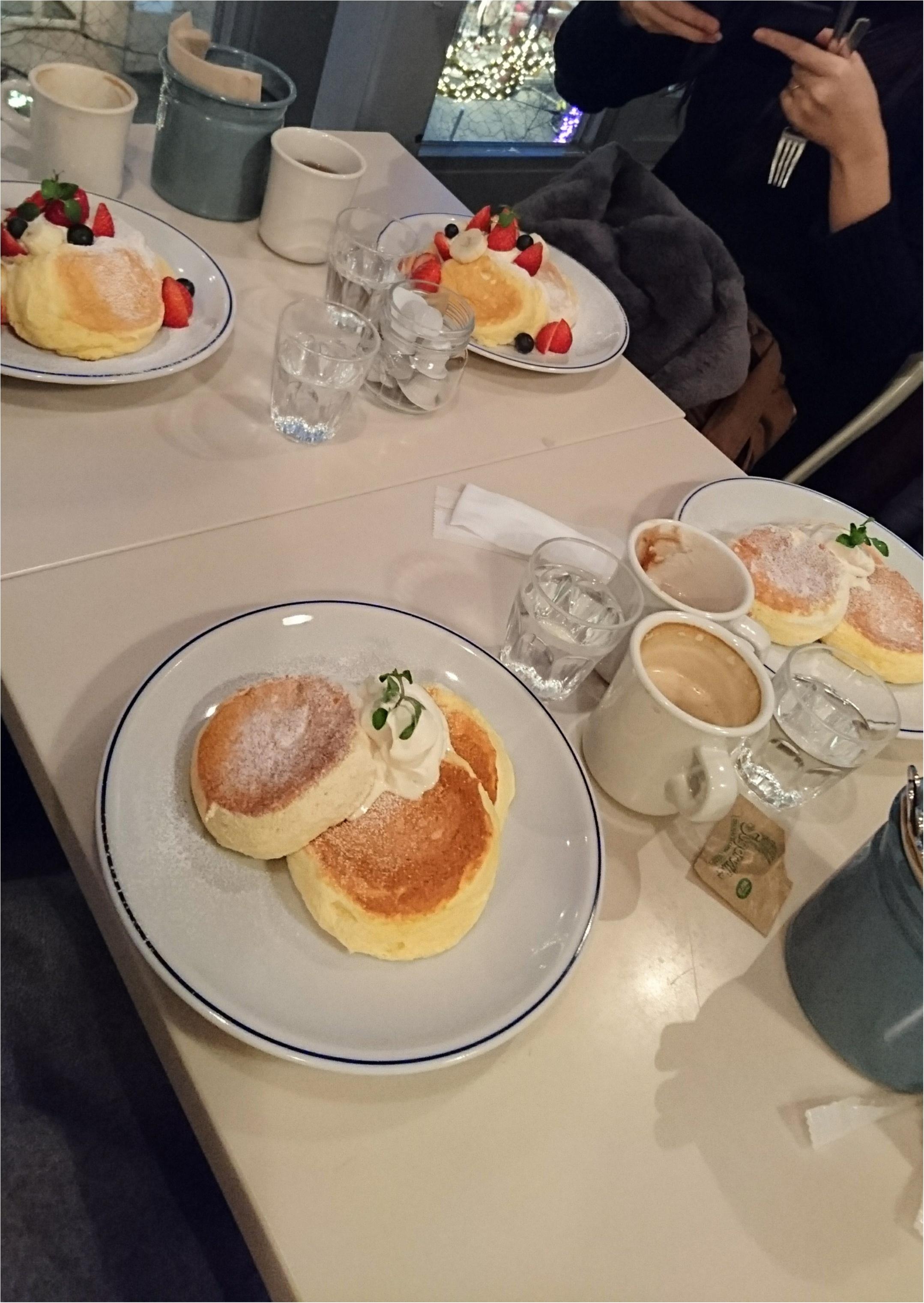 ふわふわすぎる幸せのパンケーキ♡からの気になっていたあの有名なコッペパン(*´-`)_1
