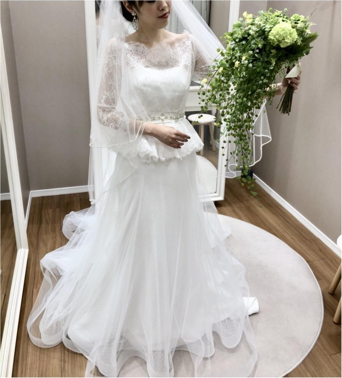 卒花さんに聞く【ドレス特集】-  結婚式・二次会におすすめ! プレ花嫁さんに人気のおしゃれなウェディングドレスは?_46