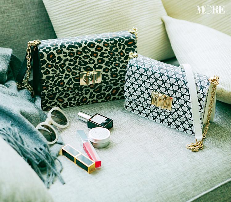 ニットに似合う、でバッグを決める。『フルラ』のショルダーバッグの色と素材と柄が可愛い!_2