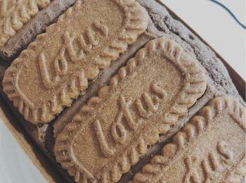 ベルギーの有名ブランドお菓子「ロータス」を使った手作りチョコブラウニーが可愛いすぎる!!♡