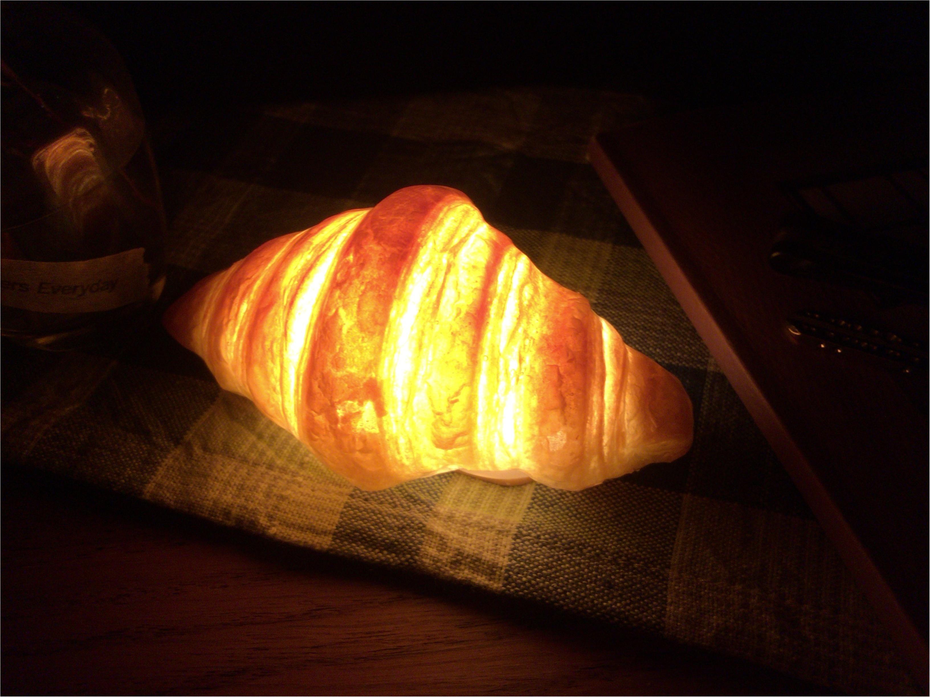 本物のパンでライト?クロワッサンが可愛い《パンプシェード》って何?なインテリア雑貨を見つけました!_10
