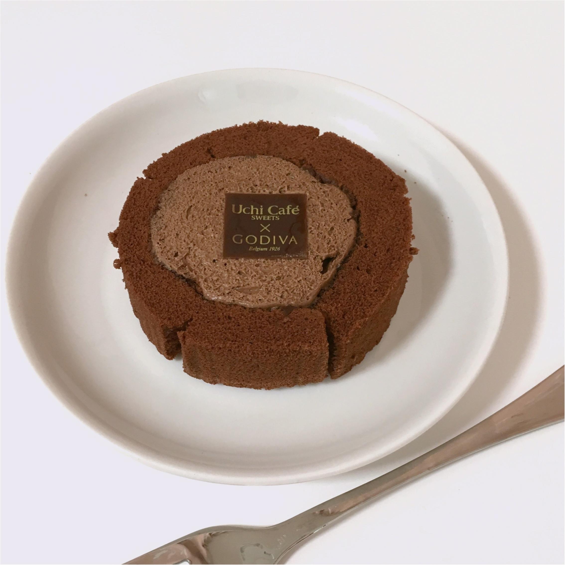 《 大人気 》こんなに美味しいの?ローソン×ゴディバの高級ロールケーキを食べてみました♡_2