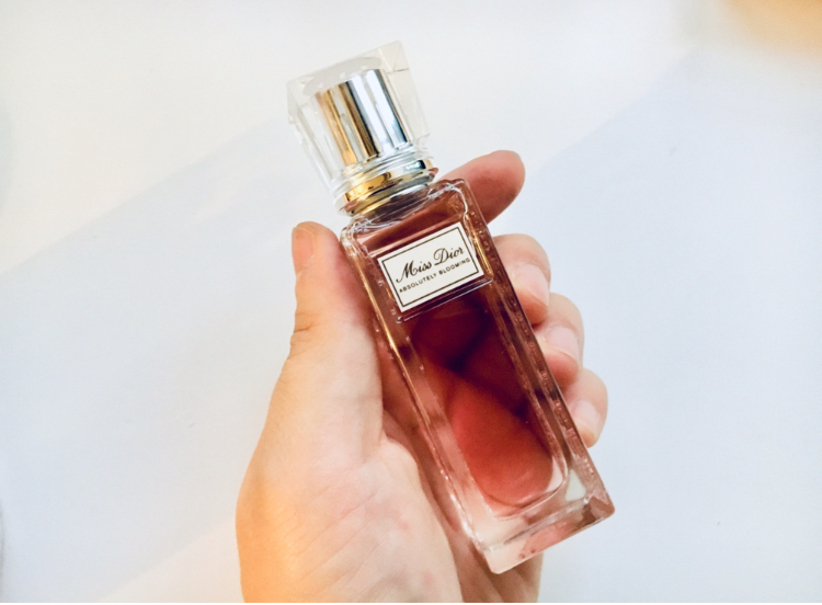 "【Dior】ロールオンタイプだからいつでもレディな香りに♪ ""Miss Dior""が引き出すしなやかさに注目♡_4"