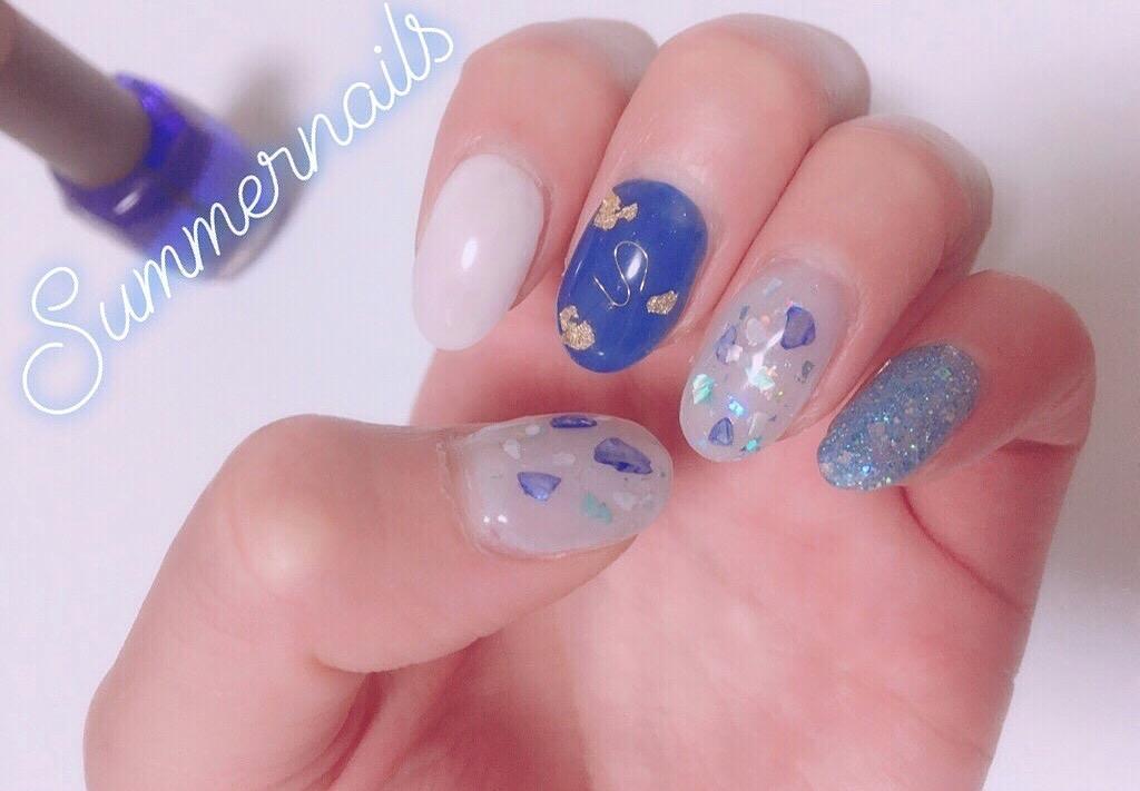 【夏ネイル】涼しげに見えるブルー系のカラーのシェルネイル❤︎_1
