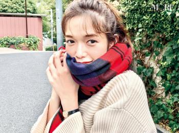 佐藤栞里がマフラーであざと可愛い女子に! 萌え萌えショットをお届け【モデルのオフショット】