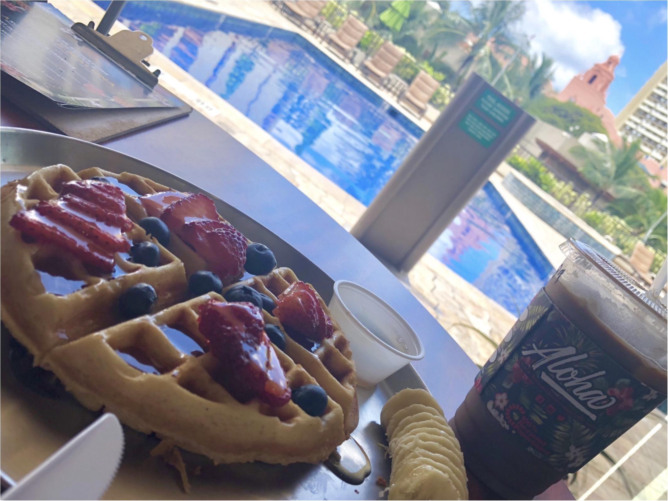【Hawaii】おすすめ隠れ家カフェをご紹介します!!美味しいワッフルと内装が可愛いすぎる♡♡インスタ映えするフォトスペースも!?_7