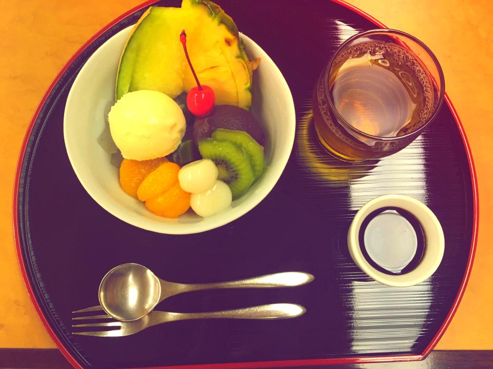 日本橋に行ったら食べたい。老舗の絶品クリームあんみつ_7