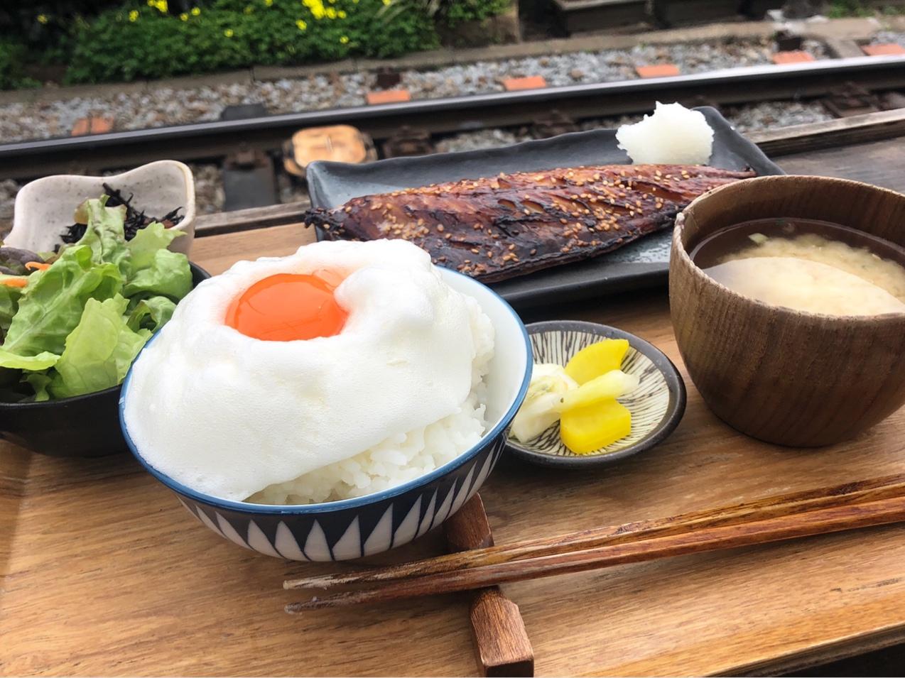 【鎌倉ランチ】江ノ電を目の前にいただく『ヨリドコロ』の干物定食_5
